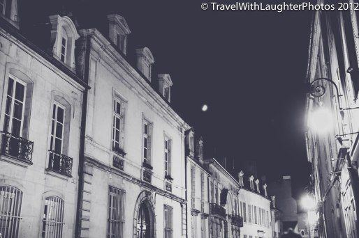 Love the streets and moon above